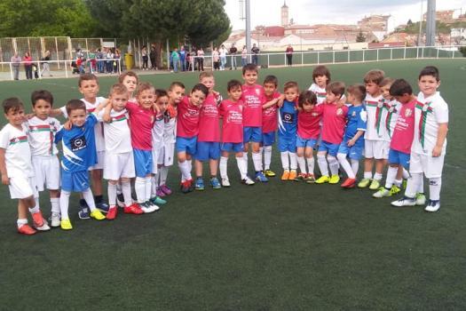 Partidos amistosos de nuestros rayos...Rayo 2011 COMBO Y Rayo 2012-2013 MOVANO.