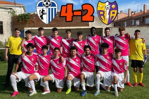 Torrejón 4-2 Rayo Arriacense. En líneas generales, partido bien competido, pero no podemos pretender ganar partidos encajando tantos goles.
